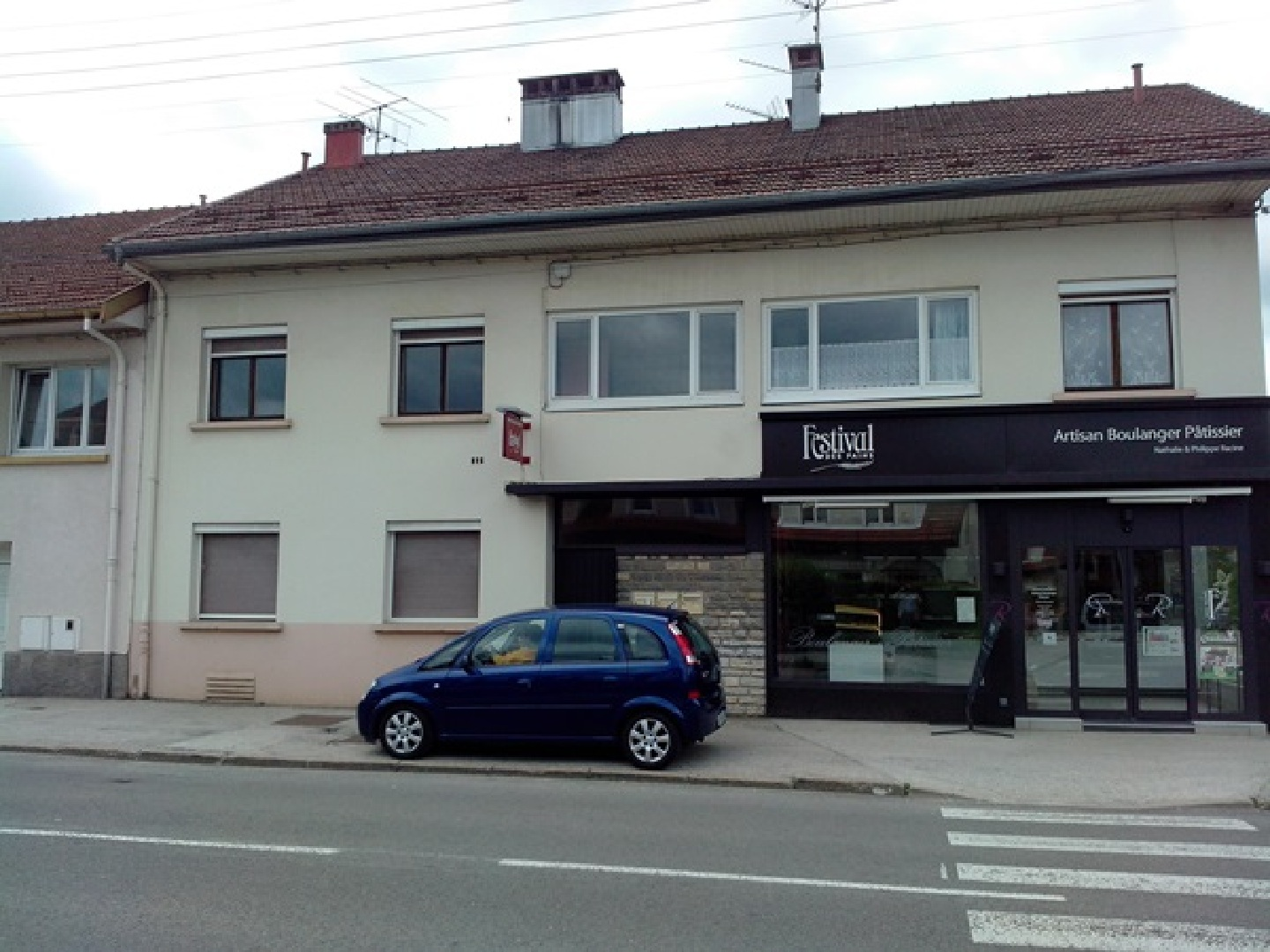 Location appartement f3 de 69 m rue de besan on for Garage ford pontarlier 25300