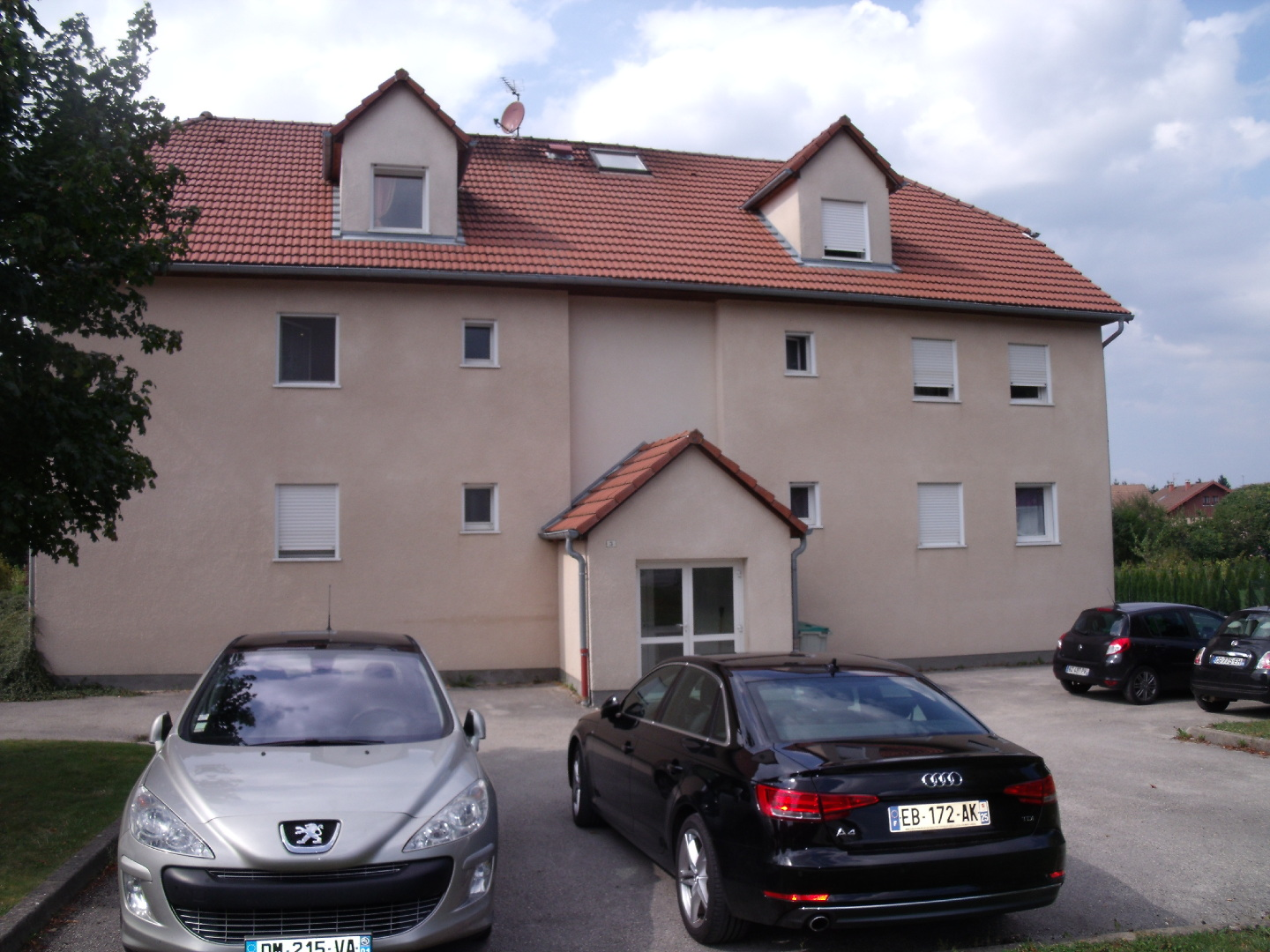 Achat vente appartement f2 doubs village vendre for Garage ford pontarlier 25300