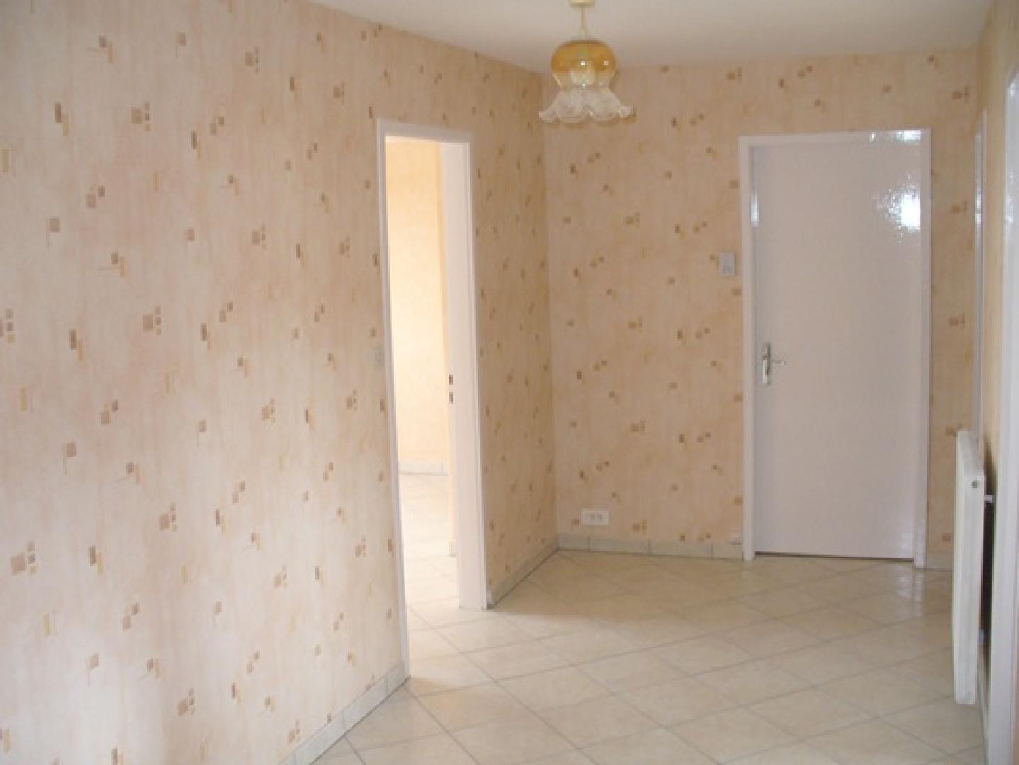 Location appartement f3 dans maison particuli re rue for Location appartement sans frais agence